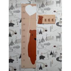 Medvídek - dětský metr a věšák na zeď