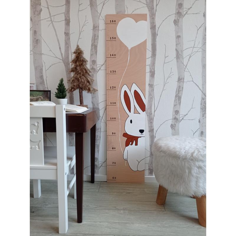 Zajíček - dětský metr na zeď