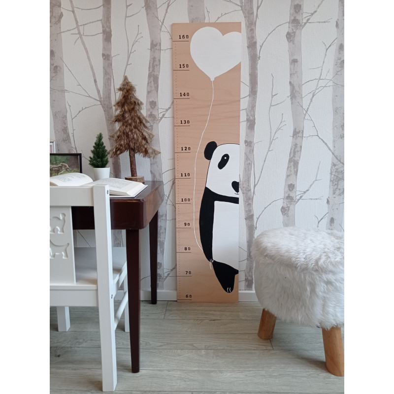 Pandička - dětský metr na zeď