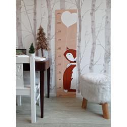Lištička - dětský metr na zeď