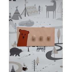 Medvídek - dětský věšák na zeď
