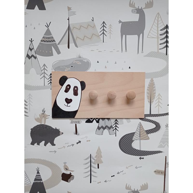 Pandička - dětský věšák na zeď